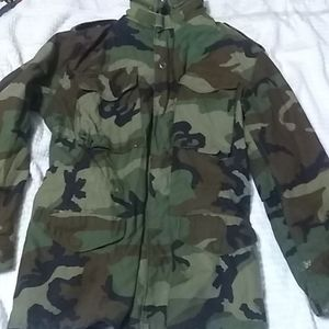 Military Issued Camo Insulated Hooded Jacket